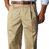 Dockers pleated classic fit. Khaki (light brown).
