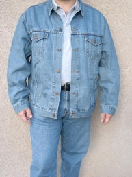Levis Standard Fit Trucker Jacket. Regular Stonewash.